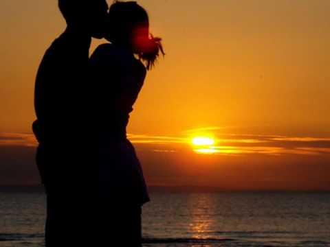 imagenes de amanecer romantico con dos besandose